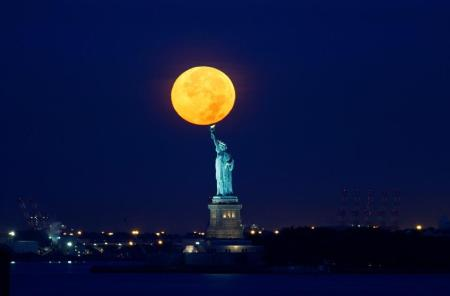 supermoon-liberty